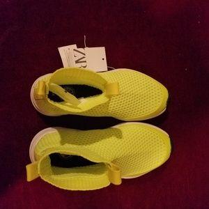 Zara boys sneakers size 2.5